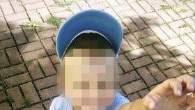 Vrah zabil mladou maminku i jejího synka.