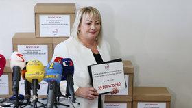 Ivana Zemanová podporuje svého muže i při druhé kandidatuře.