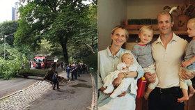 Na matku s dětmi spadl v Central Parku strom.