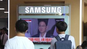 Jihokorejský soud poslal dědice konglomerátu Samsung I Če-jonga na pět let do vězení.