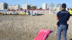 Policie na místě útoku v Rimini
