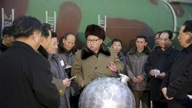 Kim Čong-un ohlásil konec moratoria na jaderné zkoušky a slíbil světu, že ukáže novou strategickou zbraň.