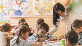 Problémem je podle odborníků i malý nástupní plat, především pak pro učitelé mateřských škol