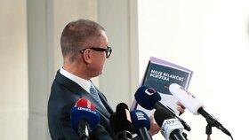 Šéf hnutí ANO Andrej Babiš po schůzce s prezidentem Milošem Zemanem na Hradě (14. 9. 2017)