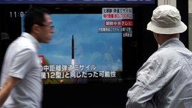 Ve všech japonských televizích se objevily varovné zprávy před posledním raketovým testem KLDR.