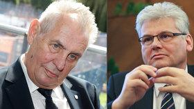 Na fámu o Zemanově údajné rakovině slinivky se měl ptát i ministr zdravotnictví Ludvík, ten to podle Info.cz popírá.