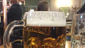 Studie doporučuje maximálně 5 piv týdně