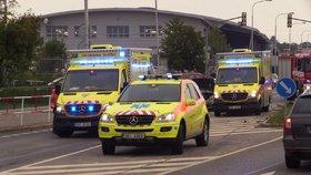 Vážná nehoda na Povltavské: Srazila se dvě auta, na místě jsou zranění