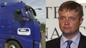 Kamion ostravské firmy FAU a šéf  Generálního finančního ředitelství Martin Janeček