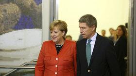 Německé volby: Kancléřku Merkelovou doprovodil do volební síně její manžel Joachim Sauer