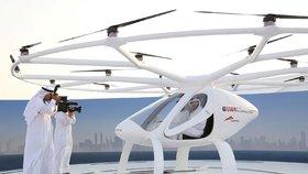 V Dubaji testovali prototyp létajícího taxíku.