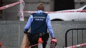 Policie na místě činu. Muž z bývalého Československa se upálil před parlamentem na Novém Zélandu.