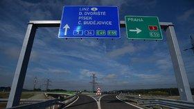 Ředitelství silnic a dálnic otevřelo nový úsek D3 na jihu Čech Borek–Úsilné.