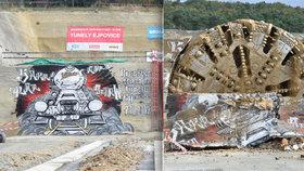 U Plzně skončila ražba železničního tunelu.