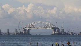 Stavba ruského mostu na Krym