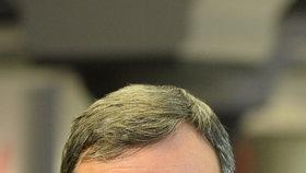 """""""Bezdůvodné, zlovolné, šikanózní vlečení v poutech"""", to je důvod, proč chce exhejtman David Rath (51) odškodnění 30 tisíc korun."""