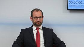 Jan Farský (STAN) v horkém křesle během superdebaty Blesk.cz