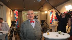 Karel Schwarzenberg ve volebním štábu TOP 09