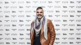 Na filmový festival zavítal i Arshad Khan, tvůrce původem z Pákistánu přivezl dokument o svém dospívání a sžívání se s vlastní homosexualitou i tím, že jeho otec se z liberála změnil ve fundamentálního muslima
