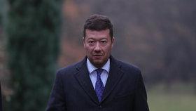 Předseda hnutí SPD Tomio Okamura po jednání s prezidentem Milošem Zemanem v Lánech uvedl, že SPD kandidáta do prezidentských voleb nepostaví.