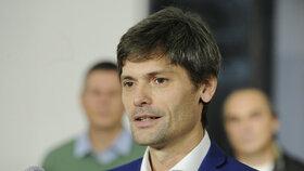 Vyškrtnut by podle Holovské měl být i lékař a aktivista Marek Hilšer.