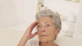 V Česku stále přibývá lidí se stařeckou demencí. Nyní jich je okolo 160 tisíc, do dvaceti let by se měl počet zdvojnásobit
