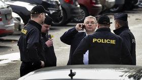 Tajemník SPD Jaroslav Staník při konfliktu s novináři ve volebním štábu SPD