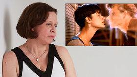 Suzanne vidí a cítí duchy, prý vypadají jak Patrick Swayze ve filmu Duch.
