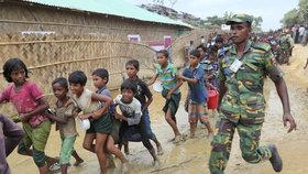 Bangladéšská armáda a Rohingové