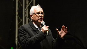 Kandidát na prezidenta Jiří Drahoš: Jak to měl s StB a kdo mu platí kampaň?