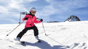 Vyrážíte na hory? Podívejte se, kolik lyžování u nás a kolik pár kilometrů za hranicemi!
