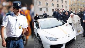 Papež prosí policii o slitování pro řidiče.