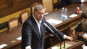Petr Bendl po rozhodnutí Nejvyššího správního soudu nakonec poslancem není. Nahradil ho jeho bývalý mluvčí Martin Kupka.