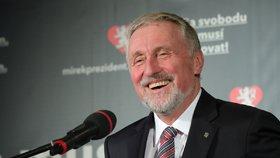 Jako první téma prezidentské kampaně otevřel Topolánek názory týkající se zahraniční politiky.