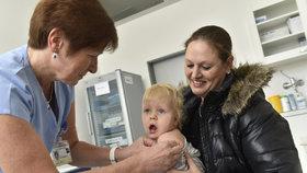 Očkování dětí je v Itálii povinné od loňského července.