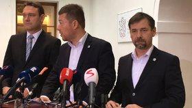 Tiskovka SPD, zleva: Radim Fiala, Tomio Okamura, Radek Koten