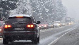 Silničáři nabádají řidiče k opatrnosti (ilustrační foto)