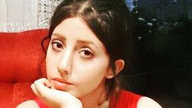 Íránka Sahar Tabar před proměnou.