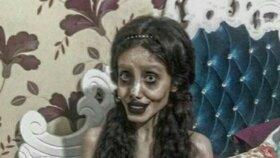 Sahar Tabar se přiznala, že fotky, na nichž vypadá jako zombie verze Angeliny Jolie, jsou podvrh.