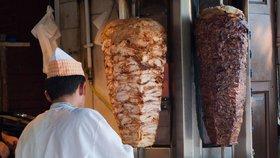 Evropská unie chce zakázat fosfáty v kebabu.