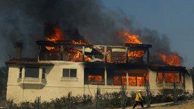 Další ničivé požáry řádí v Kalifornii, zničily i vilu mediálního magnáta Murdocha. (Ilustrační foto)