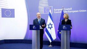 Šéf izraelské vlády Benjamin Netanjahu a šéfka unijní diplomacie Federica Mogheriniová společně v Bruselu