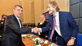 Andrej Babiš na vládě s novým ministrem zdravotnictví Adamem Vojtěchem