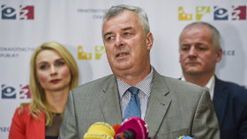 Zdeněk Blahuta, ředitel Státního ústavu pro kontrolu léčiv