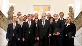 Prezident Miloš Zeman jmenoval jednobarevný kabinet premiéra Babiše 13. prosince.