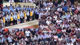 Veřejný soud v Lu-fengu z června 2017.