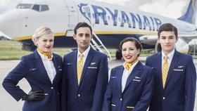 Zaměstnanci společnosti Ryanair (ilustrační foto).