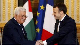 Mahmúd Abbás a Emmanuel Macron
