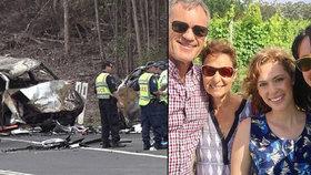 Při nehodě zemřeli rodiče herečky Jessicy Falkholt. Po třech dnech v kómatu zemřela i její sestra.