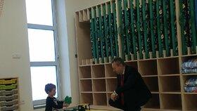 Richard Brabec (ANO) otevřel dětskou skupinu na ministerstvu životního prostředí.